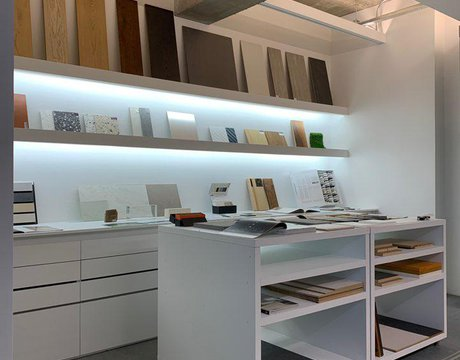 JMY Architects' Office: Marca Corona porcelain stoneware tiles