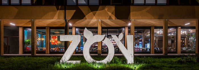 Zoy - Fusion Restaurant: architecture and design